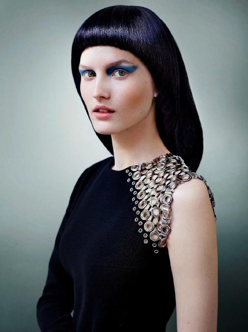 blau schwarz haare